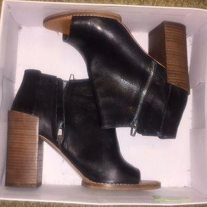 Dolce Vita black leather peep toe heel